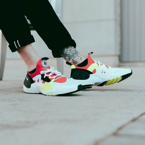 Nike 耐克 Huarache E.D.G.E. 男士运动鞋 86.06加元(5色),原价 135加元