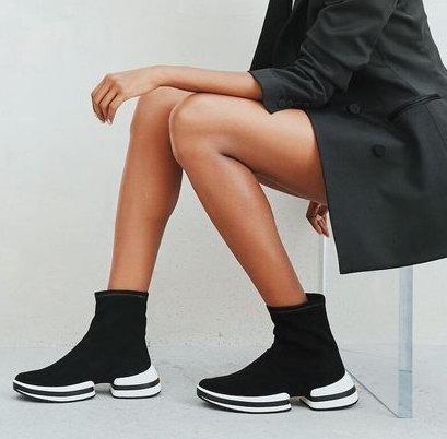 Stuart Weitzman 超级有型 运动鞋 、珍珠运动鞋7.5折优惠!