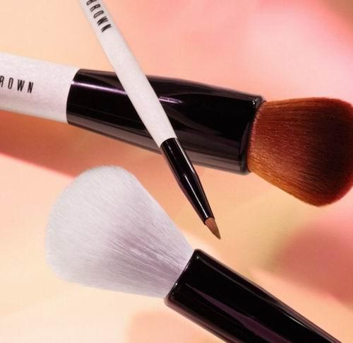 又美又耐用!Bobbi Brown 全场化妆刷 7.5折+满65加元送 3件套礼品(2选1)!