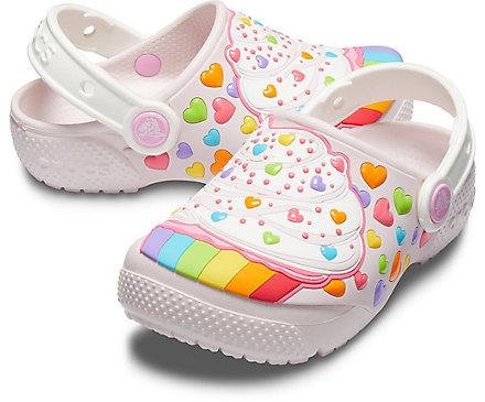 萌翻了!精选3款 Crocs 彩虹蛋糕洞洞鞋、星球大战合作款洞洞鞋6折 23.99-26.99加元!