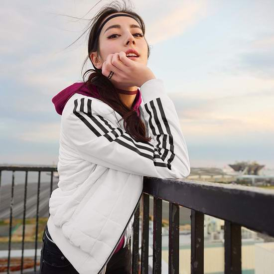 Adidas季末大促!精选新款运动鞋、运动服饰等5折起!收NMD潮鞋、三叶草卫衣!