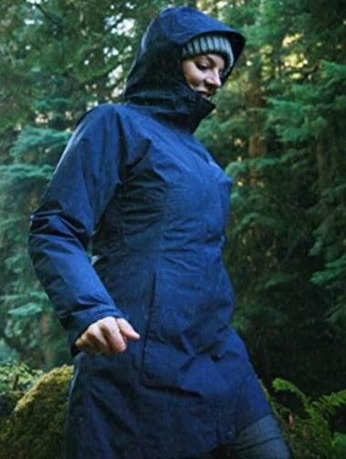 白菜价!Marmot 土拨鼠 Essential Lightweight 女式超轻防水 长款连帽外套3.7折 99加元包邮!4色可选!