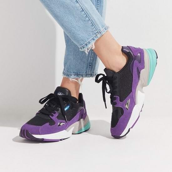 杨幂昆凌同款!adidas Originals Falcon 细腿神器 女士复古老爹鞋3.6折 50.4加元包邮!