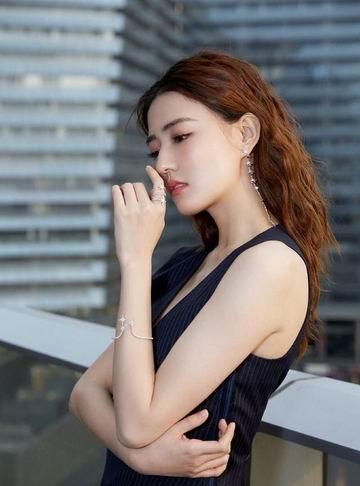 轰炸整个时尚界,大咖小资都喜爱 !APM MONACO 精美饰品 最高享受8.8折!入明星同款首饰!