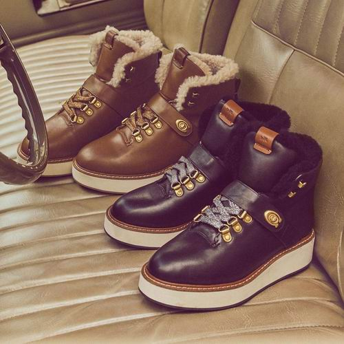 Coach Urban Hiker女士雪地靴 187.5加元(2色),原价 375加元,包邮