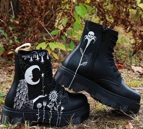 黑五独家:Dr. Martens 成人儿童新款马丁靴 全场7.5折!