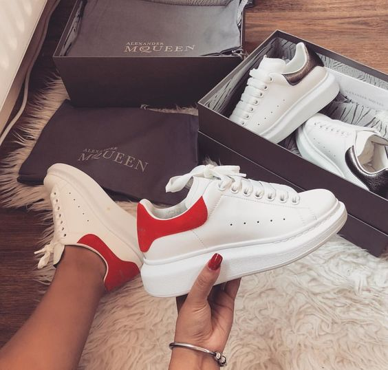 Alexander McQueen 潮人最爱小白鞋 定价优势+额外8折,折后低至350加元!内有单品推荐!