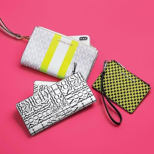 最后一天!Michael Kors折扣区时尚钱包、卡包、链条包、手机壳 4折起+额外9折,折后低至 39.6加元!