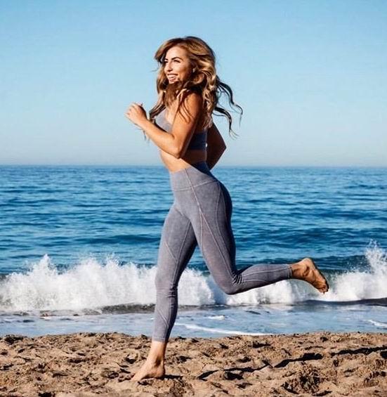 新款加入!Lululemon 露露柠檬折扣区女士运动服、瑜伽裤、夹克 5折起,瑜伽裤低至55加元!