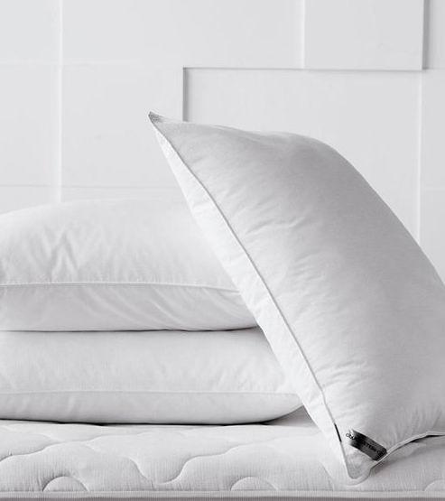 赖床起不来都是枕头的错!The Bay 精选高档枕头 5折起+额外5折,折后低至 8.75加元
