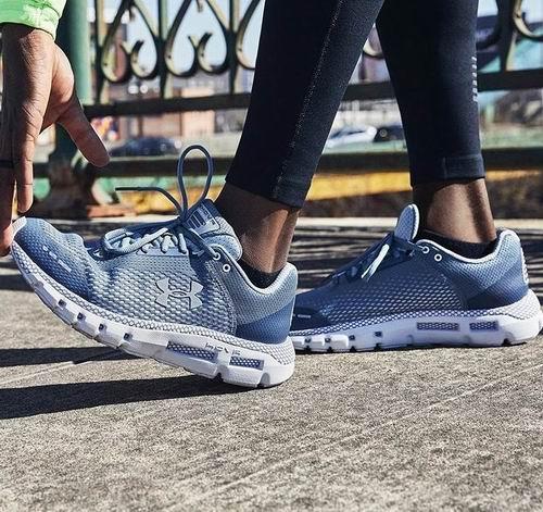 精选UNDER ARMOUR 专业运动服、运动鞋 7折+额外8.5折