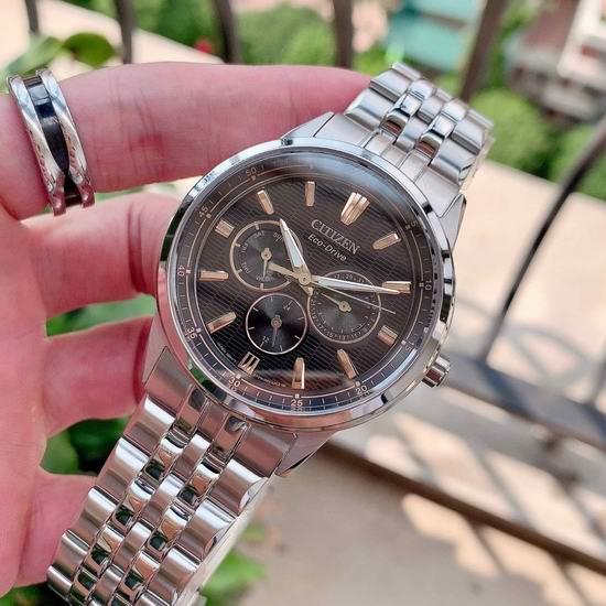 历史新低!Citizen 西铁城 BU2070-55E 三眼计时 光动能 男式腕表/手表3.2折 158.27加元包邮!