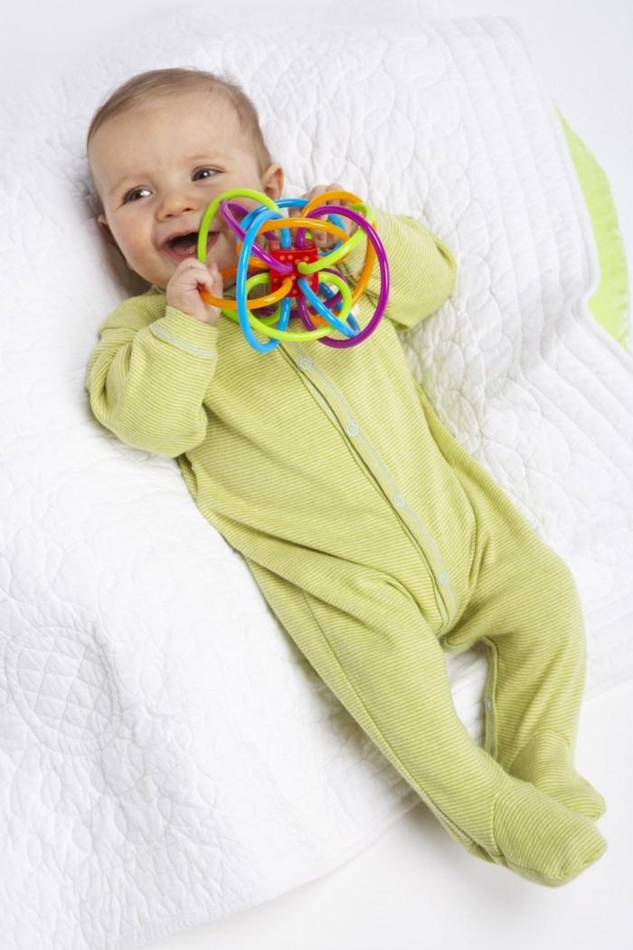 Manhattan Toy Winkel 婴儿摇铃/牙胶磨牙器 7.8折 13.98加元限时特卖!