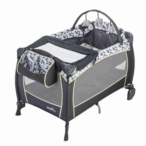 快速折叠,方便出行!Evenflo便携式豪华婴幼儿游戏床4.5折90.81元特卖!