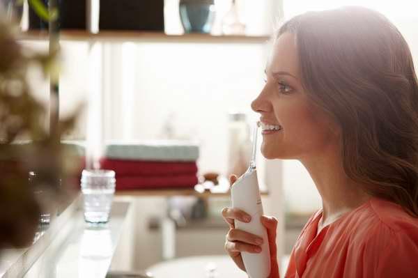 Philips 飞利浦 Sonicare Airfloss Pro HX8331/01 微爆气流技术喷气式洁牙器/齿间清洁喷嘴 6.5折 64.95加元包邮!