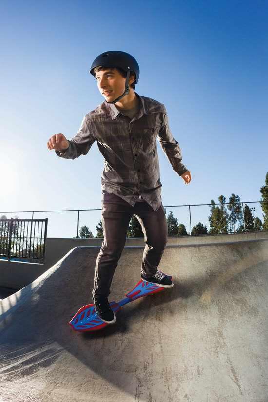 历史最低价!Razor RipStik Skateboard 经典款成人青少年蛇板/滑板/活力板6折 60.31-67.59元限时清仓并包邮!