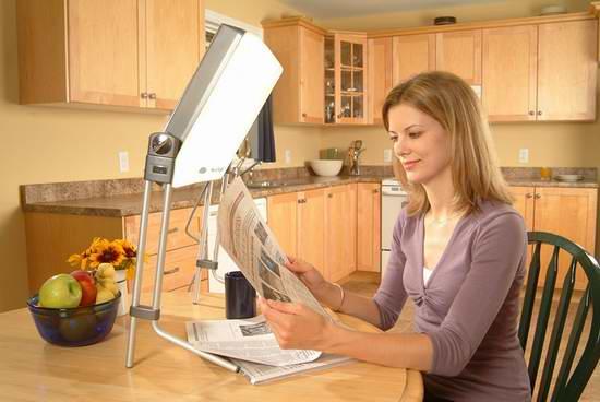 Day-Light DL930 Uplift Technologies 光疗灯6.8折 135.33加元限量特卖并包邮!