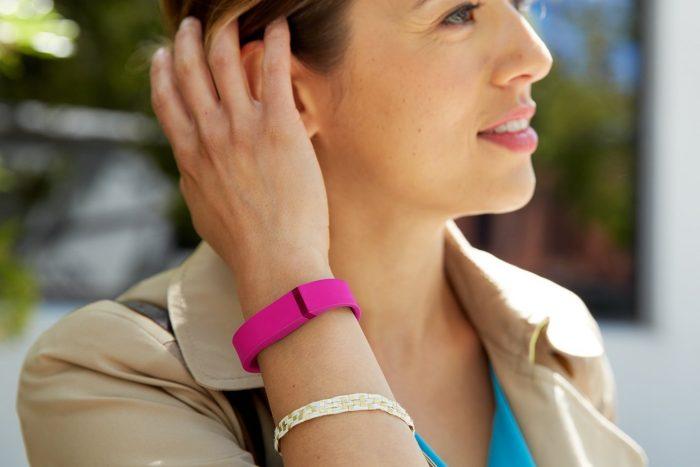Fitbit Flex智能运动腕带睡眠监控功能 58.99加元,原价 99.99加元,包邮
