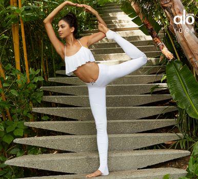 最火的瑜伽品牌!精选 Alo Yoga 运动服 3折起特卖,额外再7.5折优惠!