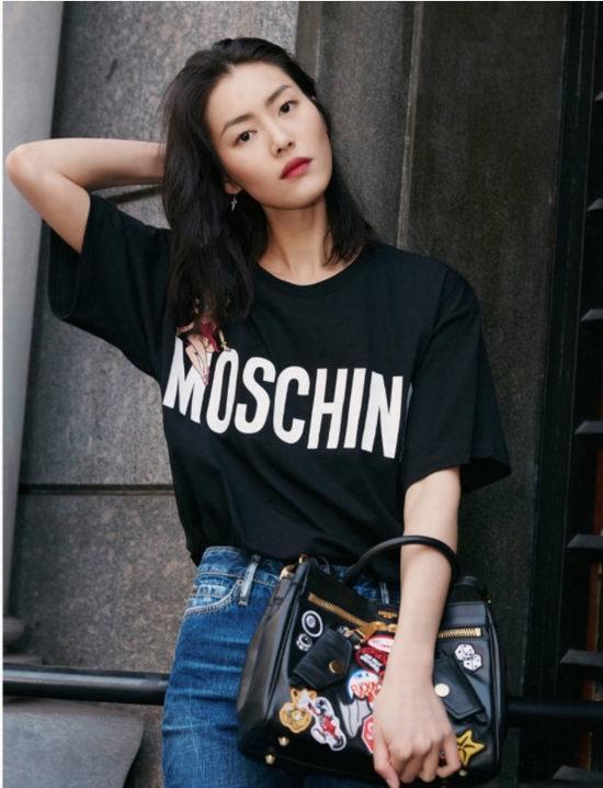 大表姐最新街拍同款!MOSCHINO 2018早春系列Betty图案T恤+B-Pocket手袋