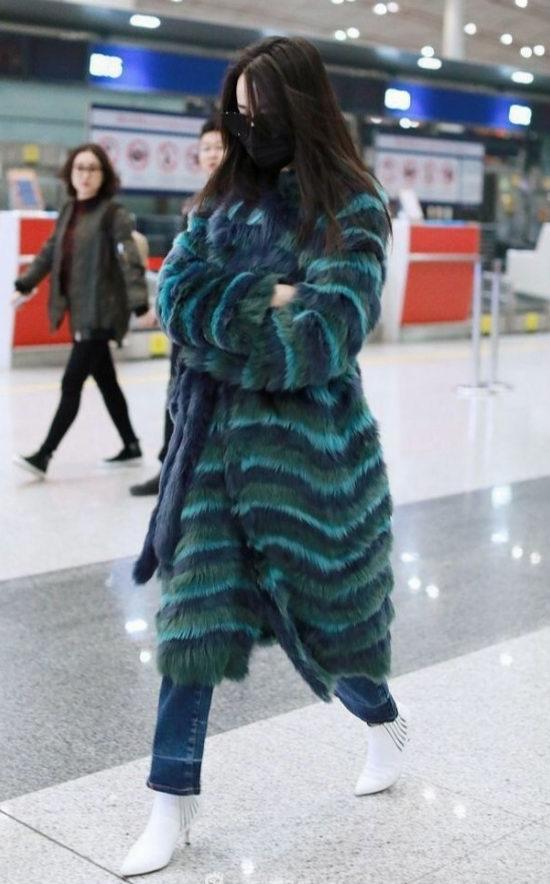 迪丽热巴同款!Bottega Veneta多彩色毛羊皮外套