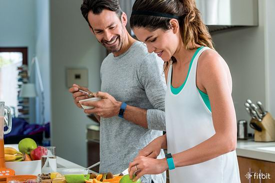 Fitbit Charge 2 智能运动手环 120.9加元,原价 199.95加元,包邮