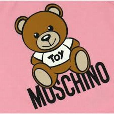 精选 Moschino可爱泰迪 T恤、凉鞋、一脚蹬、外套 4折起优惠!