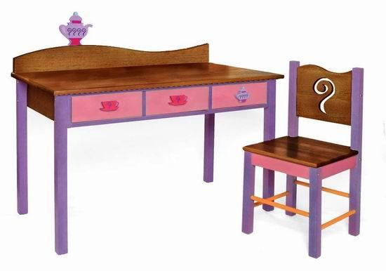 超级白菜!历史新低!Room Magic 巧克力色 儿童实木桌椅套装1.3折 48.13加元包邮!