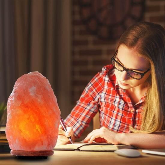 近史低价!Himalayan Glow 1004 10-11英寸 天然喜马拉雅 负离子 水晶盐灯4.9折 31.82加元!
