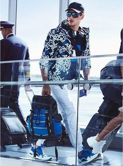 Michael Kors 精选男士时尚服饰 3.1折起+包邮:卡包29.53加元 、T恤 36.4加元、衬衣53.2加元、公文包 238.87加元