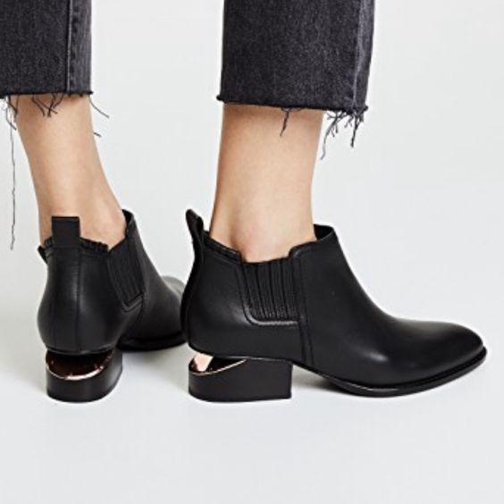 Alexander Wang Kori 经典断根鞋 720加元,原价 900加元,包邮