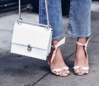 入手最好时机!SSENSE精选 Givenchy、Saint Laurent、Chloé、Loewe等品牌美包 3.2折起特卖!部分款再降!