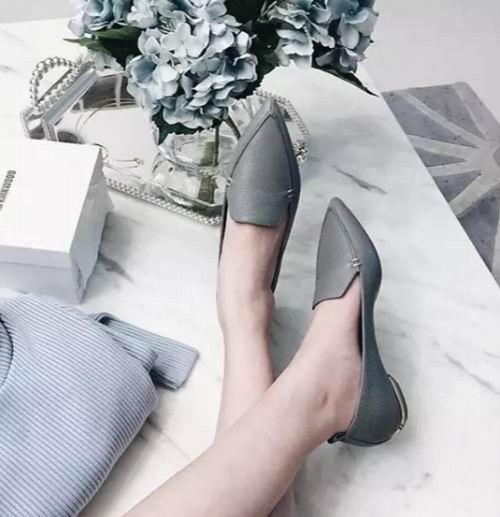 精选5款 Nicholas Kirkwood 珍珠/亮片乐福鞋 变相5.8折起优惠!折后低至420加元!内有单品汇总!