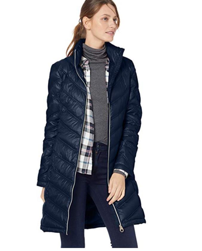 Calvin Klein Chevron-Quilted 轻便羽绒服 51.81加元起(多色可选),原价 90.98加元,包邮