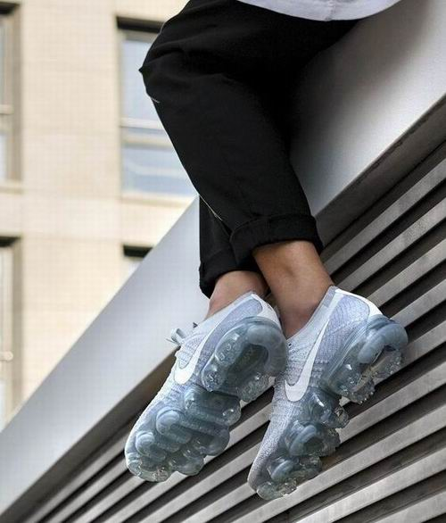 Nike 耐克 Air Vapormax 女士潮鞋 159.37加元,原价 250加元,包邮