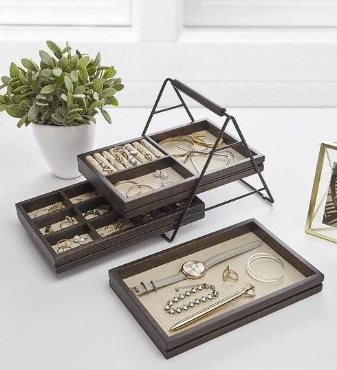 Umbra Terrace 珠宝收纳盒 3层 31.99加元,原价 40加元
