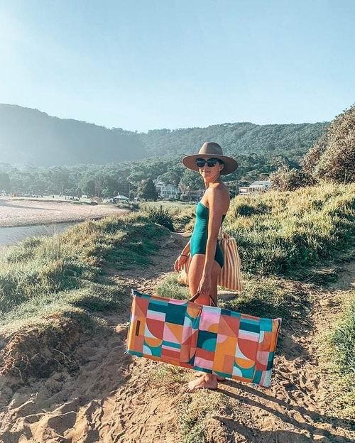 沙滩必备用品,让你一秒变女神!Indigo精选沙滩椅、太阳伞、沙滩用品 6.3折起优惠!