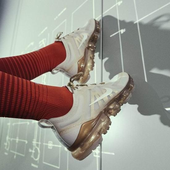Nike 耐克大促!精选时尚新款运动鞋5折起+额外7.5折!收77 Vintage复古鞋、VaporMax 2019新款气垫鞋、阿甘鞋!内附单品推荐!