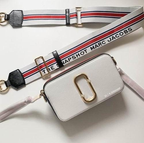 精选3款 Marc Jacobs小号相机包 270-300加元,原价 335-375加元,包邮