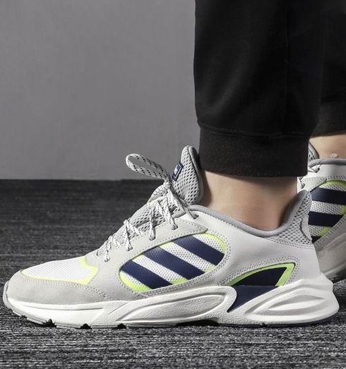 adidas本周特惠:精选运动鞋 3.5折 35加元起+包邮!