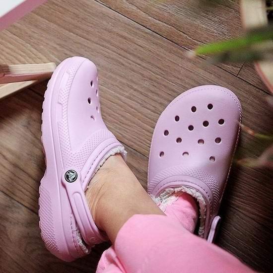 Crocs 卡洛驰黑五大促!全场洞洞鞋、暖绒拖鞋、雪地靴等2.5折起!年度好折扣!