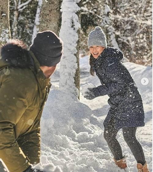 Columbia 节礼周预售:精选冬季外套、雪地靴、手套 6折起!