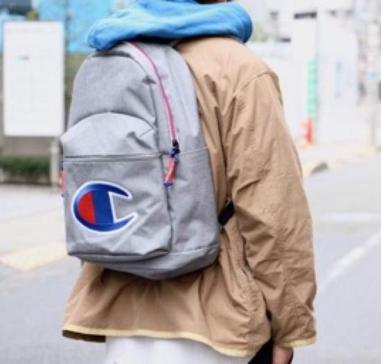 历史新低!Champion Supercize 大Logo印花 时尚双肩背包5.7折 37.13加元包邮!5色可选!