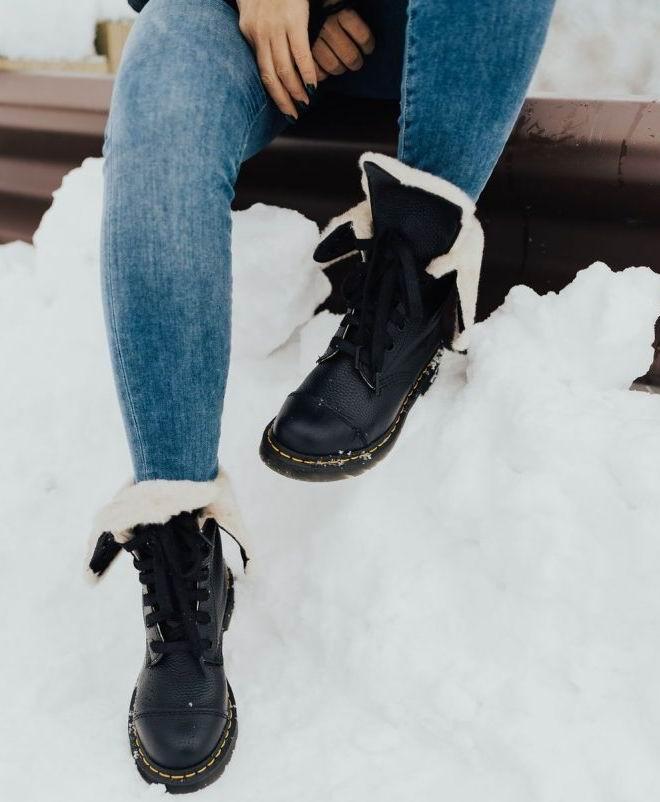精选 Dr. Martens、Cougar、Columbia 等品牌雪地靴、短靴 5折起+部分款额外7.5折,折后低至24加元!长筒靴 29加元、雪地靴 48加元