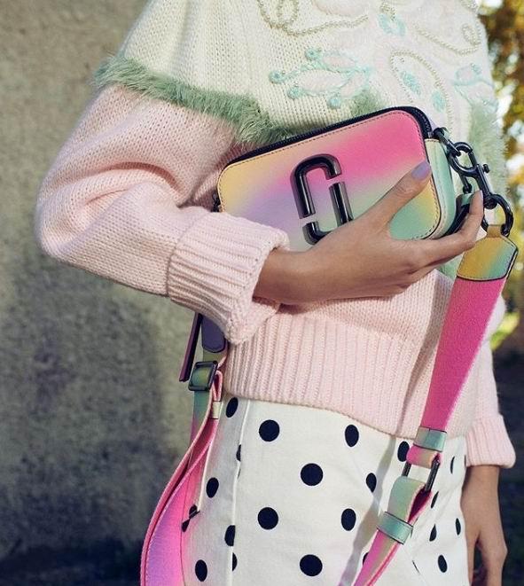 折扣升级!精选Marc Jacobs美包、美衣、美鞋 3.2折52加元起!相机包230加元、枕头包375加元!
