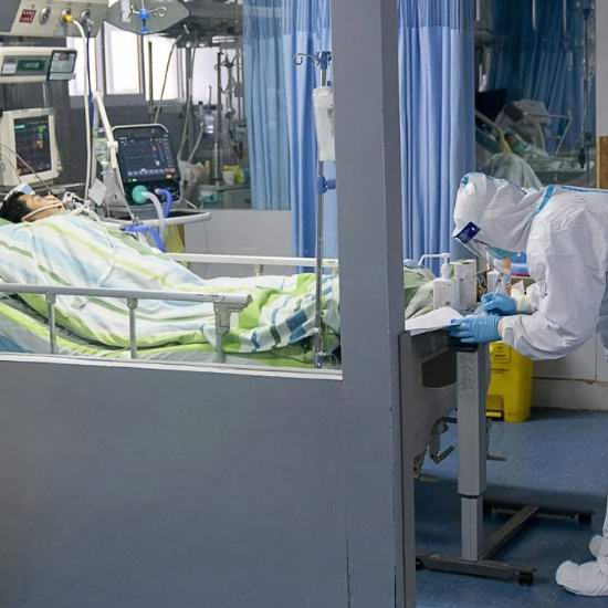 武汉肺炎对所有年龄组都易感!加拿大确认第二宗武汉肺炎病例,安省新增19名疑似病例!N95、手术口罩补货!