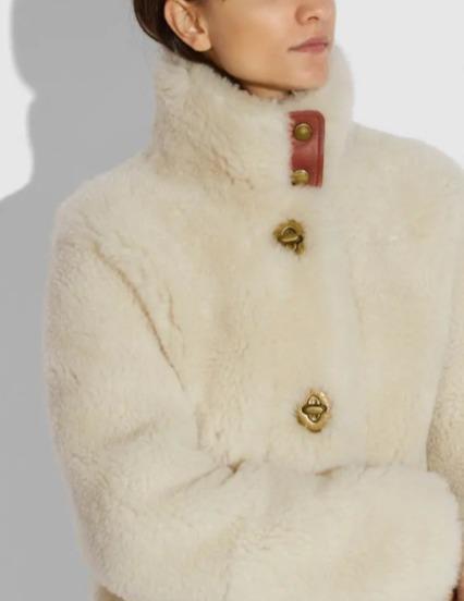 保暖又时髦!Coach Shearling 女士羊羔皮大衣 1400加元,原价 2800加元,包邮