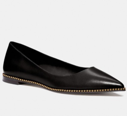 Coach Viviana Skimmer铆钉平底鞋 97.5加元(2色),原价 195加元,包邮
