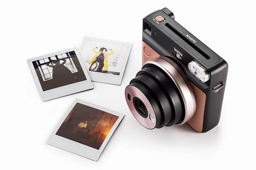 Fujifilm 富士Instax Square SQ6 拍立得复古相机 119.99加元,原价 149.99加元,包邮