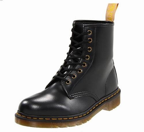 Dr. Martens Vegan 1460 女士马丁靴 150加元,原价 182加元,包邮